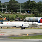Date: 6/18/17 - Location: KCLT Dep/Arv/Enr: Dep - RW/Taxi/Ramp: Taxi Echo Manufacturer: Bombardier Model: CL600-2B19 CRJ440 - RegNmb: N8828D C/N: 7828 Misc: Operated by Skywest